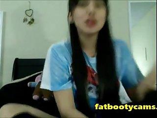 Asian Schoolgirl has never had sex - fatbootycams.com