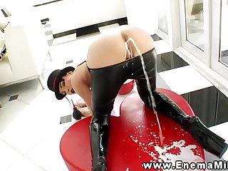 Kinky enama fetish beautie squirts milk