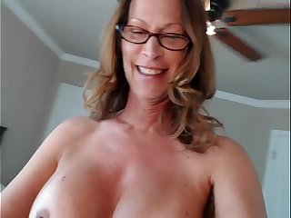 JessRyan  - Hot MILF Twerking That Ass
