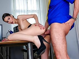 BUMS BUERO - Hardcore sexcapades at the office with boss and hot secretary