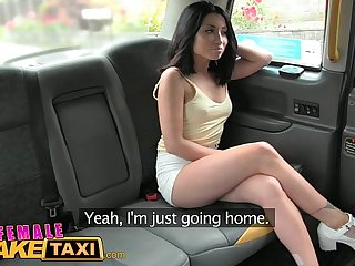 Female Fake Taxi Sexy American minx fucks and licks pussy for taxi cam